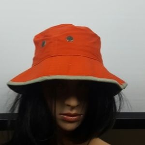 Truth bucket hat